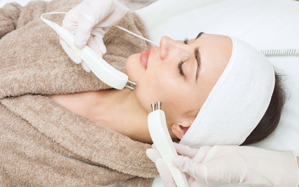 микротоковая терапия лицо